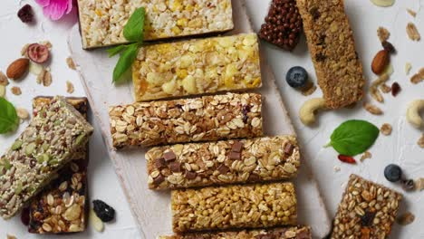 Homemade-gluten-free-granola-bars-with-mixed-nuts-seeds-dried-fruits