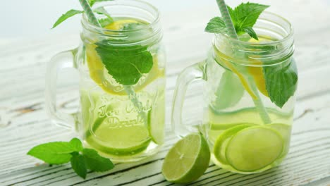 Glass-jars-filled-with-refreshing-lemonade