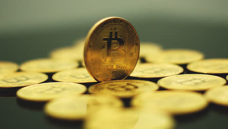 Shining-golden-bitcoins-in-close-up