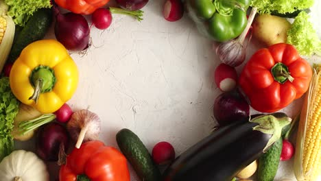 Circle-of-colorful-vegetables-mix