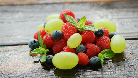 Berry-mix-on-wet-table-