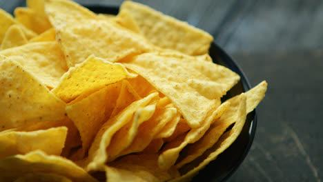 Plate-full-of-nachos-