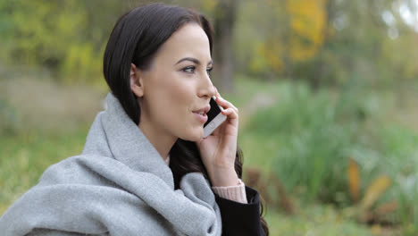 Attractive-woman-speaking-on-phone