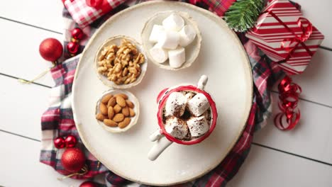 Delicious-homemade-christmas-hot-chocolate-or-cocoa-with-marshmellows