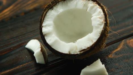Coco-Roto-En-La-Mesa