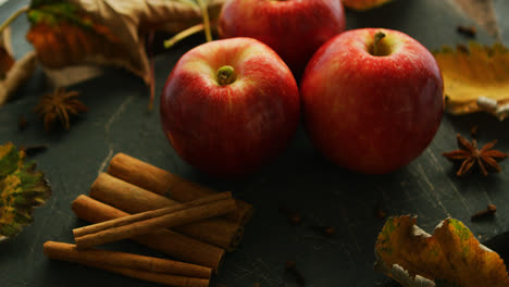Red-apples-and-spices-