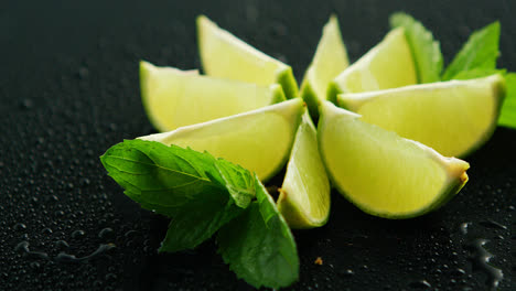 Lime-segments-with-mint-leaves