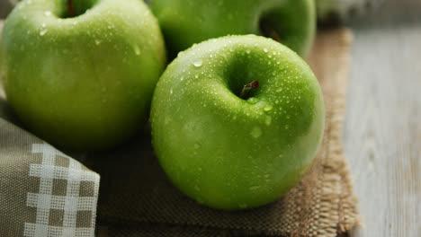 Green-wet-apples-in-drops