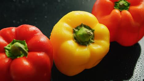 Reife-Rote-Und-Gelbe-Paprika
