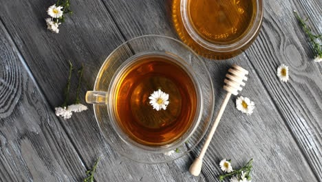 Herbal-tea-and-jar-of-honey