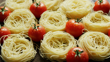 Spaghetti-in-rolls-with-fresh-tomatoes