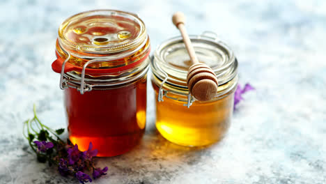 Jars-with-different-kinds-of-fresh-organic-honey