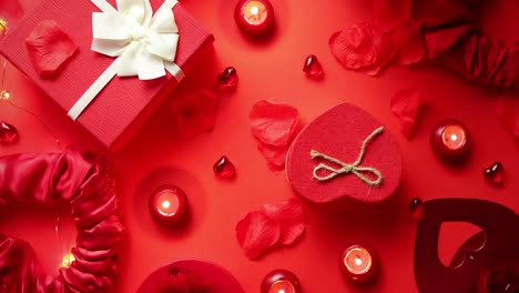 Valentines-day-romantic-decoration-with-roses-boxed-gifts-candles