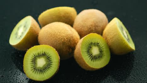Mitades-De-Kiwi-Verde