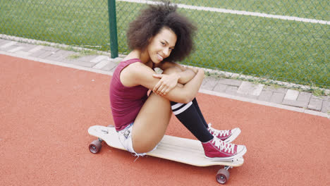 Adorable-young-girl-on-skate