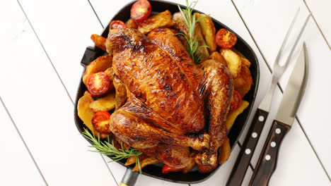 Roasted-whole-chicken-in-cast-iron-black-pan