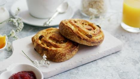Sweet-buns-on-board-for-breakfast