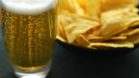 Glas-Bier-Und-Nachochips