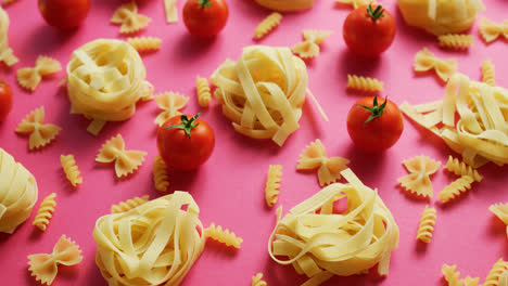Uncooked-pasta-with-fresh-tomatoes