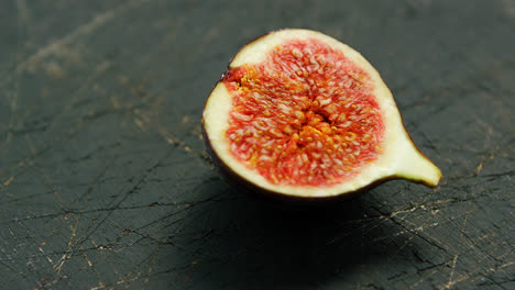 Half-of-fig-with-red-flesh