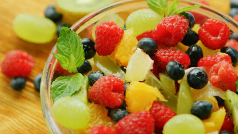 Fresh-mix-of-fruit-and-berry
