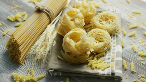 Uncooked-pasta-of-different-sort