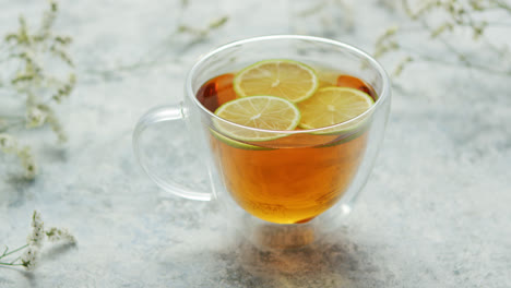 Tea-with-lemon-in-cup
