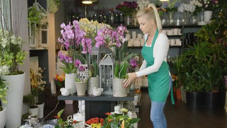 Floreria-Trabajando-En-La-Tienda