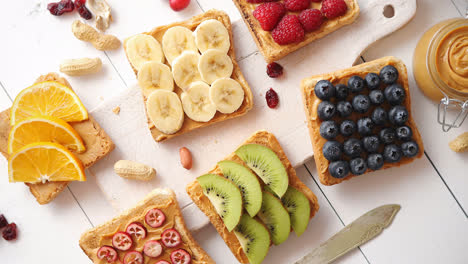 Assortment-of-healthy-fresh-breakfast-toasts