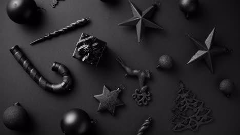 Weihnachten-Minimalistische-Und-Einfache-Komposition-In-Mattschwarzer-Farbe