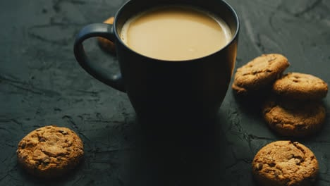 Mug-of-cocoa-and-cookies