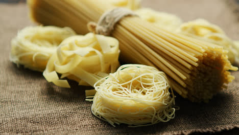Closeup-of-pasta-and-spaghetti