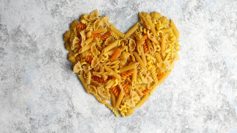 Heart-shape-made-of-pasta