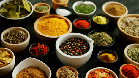Many-bowls-with-different-spices