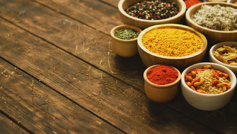 Arrangement-of-spices-in-small-bowls