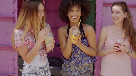 Young-women-having-drinks