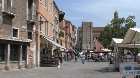 Venice-market-stalls-in-a-plaza