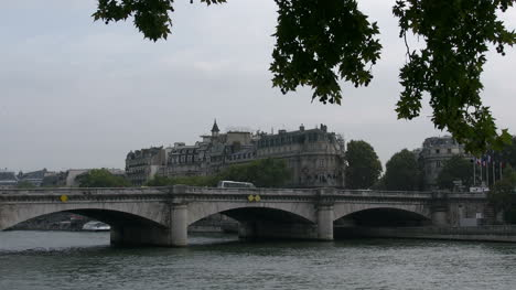 Paris-bridge-on-the-Seine