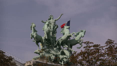 Paris-Grand-Palace-horses-on-statue