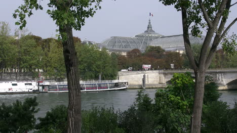 Paris-Grand-Palace-beyond-river