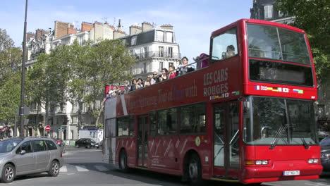 France-Paris-red-bus
