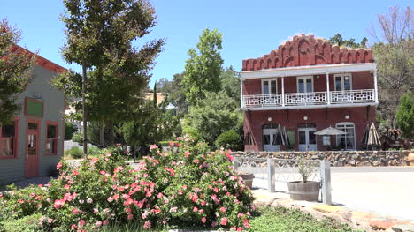 California-Amador-old-building-and-roses