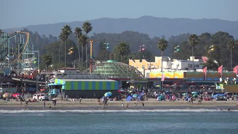 California-Santa-Cruz-boardwalk-across-water