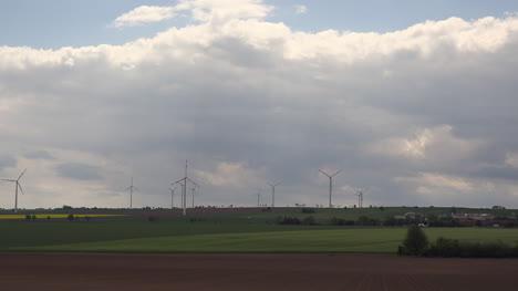 Alemania-Nubes-Sobre-Molinos-De-Viento