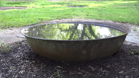 Louisiana-Großer-Eisenkessel-Voller-Wasser