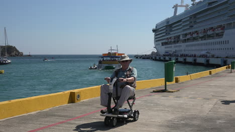 Mexico-Huatulco-Hombre-En-Scooter