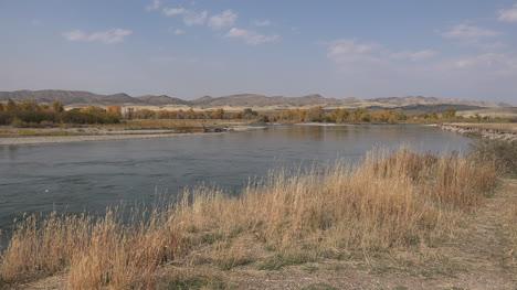 Montana-Missouri-River-mainstream-beyond-confluence