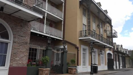 New-Orleans-French-Quarter-houses