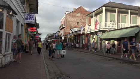 Bourbon-De-La-Escena-De-La-Calle-De-Nueva-Orleans