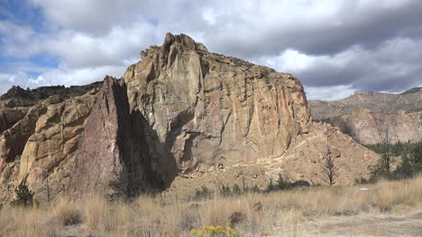 Oregon-Smith-Rocks-moving-shadows
